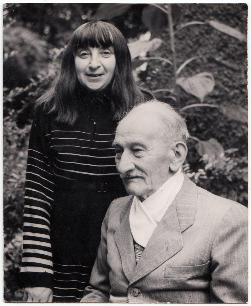 Ruth Johow mit ihrem Vater Wilhelm Johow, um 1955. Foto: unbekannt NL HJP.